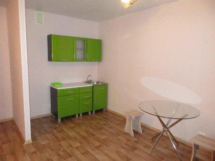 Сдам на длительный срок однокомнатную квартиру на 14-м этаже 16-этажного дома площадью 36 кв. м. в Кемерово