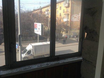 Продам двухкомнатную квартиру на 3-м этаже 5-этажного дома площадью 43 кв. м. в Екатеринбурге