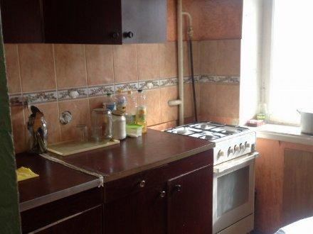 Продам двухкомнатную квартиру на 2-м этаже 5-этажного дома площадью 44 кв. м. в Екатеринбурге