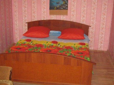 Сдам посуточно однокомнатную квартиру на 5-м этаже 5-этажного дома площадью 33 кв. м. в Нижнем Новгороде