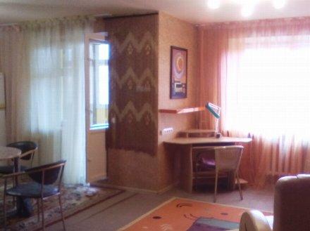 Продам двухкомнатную квартиру на 9-м этаже 10-этажного дома площадью 71 кв. м. в Перми