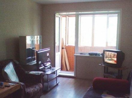 Продам двухкомнатную квартиру на 3-м этаже 5-этажного дома площадью 44 кв. м. в Перми