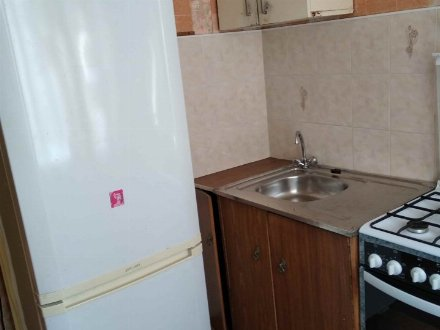 Продам однокомнатную квартиру на 2-м этаже 5-этажного дома площадью 30 кв. м. в Брянске