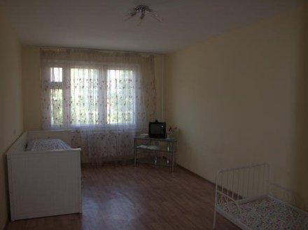 Продам трехкомнатную квартиру на 2-м этаже 10-этажного дома площадью 81 кв. м. в Санкт-Петербурге