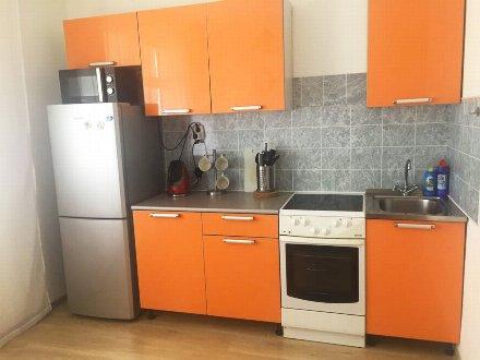 Сдам посуточно однокомнатную квартиру на 3-м этаже 14-этажного дома площадью 40 кв. м. в Москве