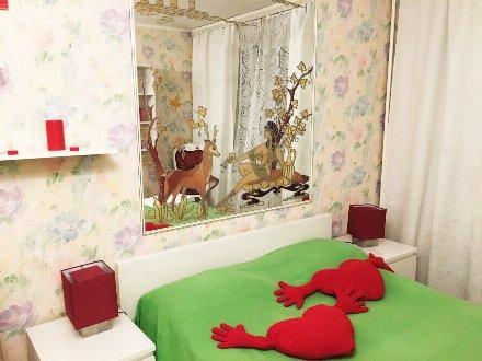 Сдам посуточно однокомнатную квартиру на 2-м этаже 5-этажного дома площадью 40 кв. м. в Москве
