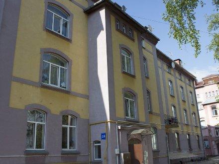 Продам трехкомнатную квартиру на 4-м этаже 4-этажного дома площадью 139 кв. м. в Калининграде