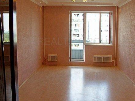 Продам трехкомнатную квартиру на 10-м этаже 17-этажного дома площадью 81 кв. м. в Москве