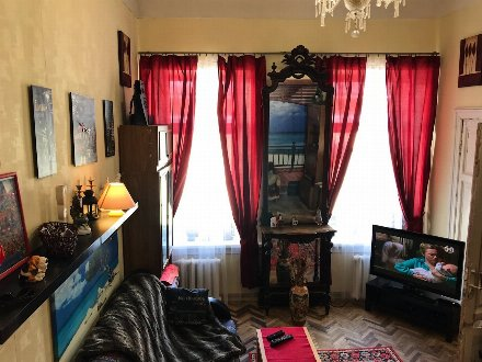 Сдам посуточно двухкомнатную квартиру на 3-м этаже 6-этажного дома площадью 62 кв. м. в Санкт-Петербурге