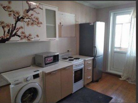 Сдам на длительный срок двухкомнатную квартиру на 3-м этаже 14-этажного дома площадью 54 кв. м. в Москве