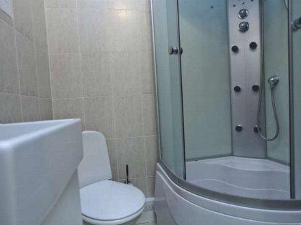 Сдам посуточно однокомнатную квартиру на 5-м этаже 9-этажного дома площадью 40 кв. м. в Москве