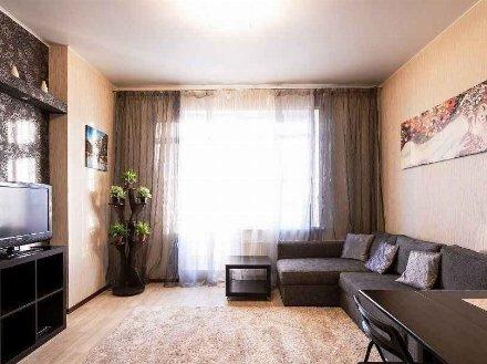 Сдам посуточно двухкомнатную квартиру на 2-м этаже 4-этажного дома площадью 60 кв. м. в Петропавловск-Камчатском