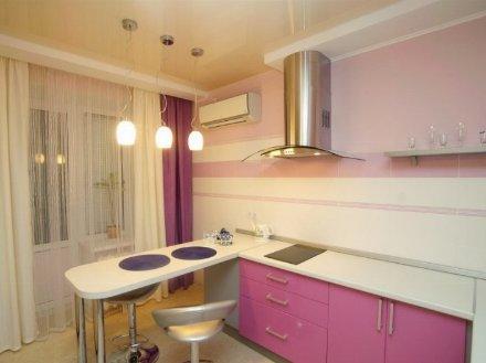 Сдам посуточно однокомнатную квартиру на 3-м этаже 5-этажного дома площадью 40 кв. м. в Петропавловск-Камчатском