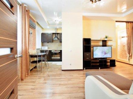 Сдам на длительный срок двухкомнатную квартиру на 4-м этаже 5-этажного дома площадью 52 кв. м. в Петропавловск-Камчатском