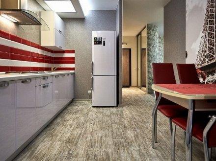 Сдам посуточно трехкомнатную квартиру на 6-м этаже 12-этажного дома площадью 70 кв. м. в Чите