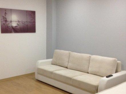 Сдам посуточно однокомнатную квартиру на 4-м этаже 9-этажного дома площадью 40 кв. м. в Чите
