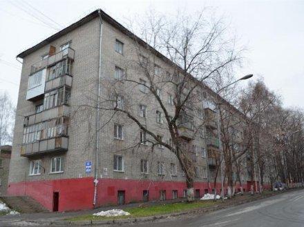 Продам двухкомнатную квартиру на 3-м этаже 5-этажного дома площадью 45 кв. м. в Томске