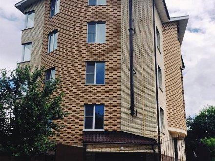 Продам четырехкомнатную квартиру на 4-м этаже 5-этажного дома площадью 156 кв. м. в Чебоксарах