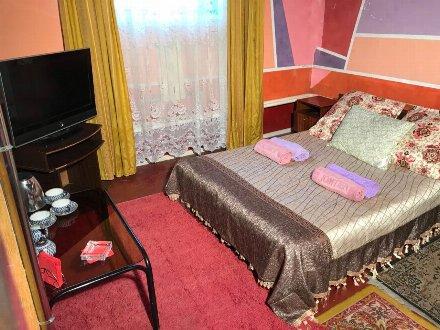 Сдам посуточно однокомнатную квартиру на 1-м этаже 5-этажного дома площадью 14 кв. м. в Биробиджане