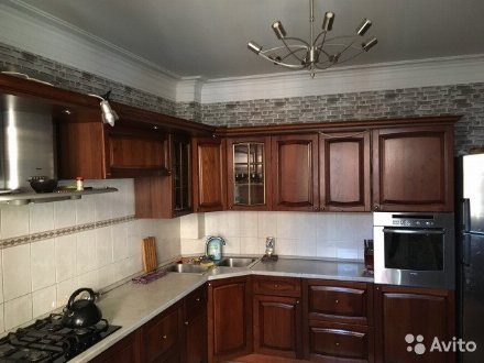 Продам четырехкомнатную квартиру на 3-м этаже 5-этажного дома площадью 138 кв. м. в Саранске