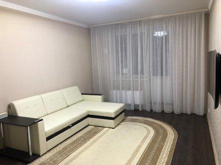 Сдам на длительный срок однокомнатную квартиру на 11-м этаже 17-этажного дома площадью 40 кв. м. в Челябинске