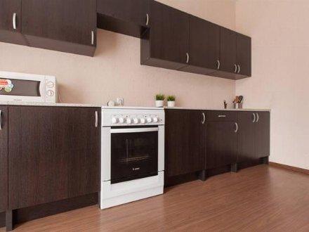 Сдам на длительный срок двухкомнатную квартиру на 7-м этаже 9-этажного дома площадью 65 кв. м. в Челябинске