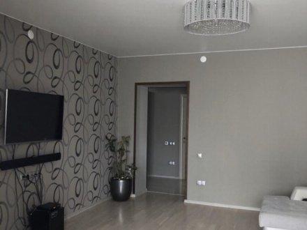 Сдам на длительный срок однокомнатную квартиру на 14-м этаже 16-этажного дома площадью 40 кв. м. в Челябинске