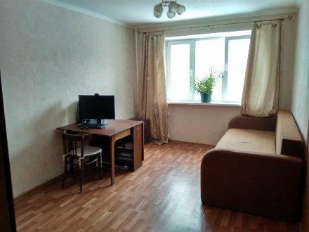 Сдам на длительный срок однокомнатную квартиру на 4-м этаже 7-этажного дома площадью 40 кв. м. в Санкт-Петербурге