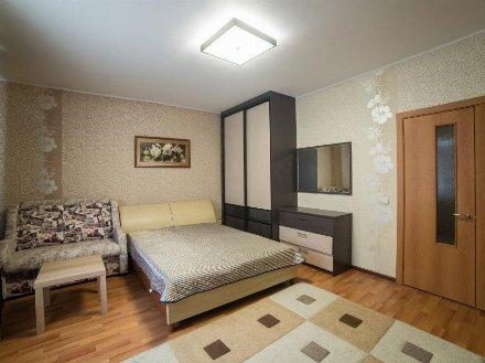 Сдам на длительный срок однокомнатную квартиру на 4-м этаже 12-этажного дома площадью 40 кв. м. в Ханты-Мансийске
