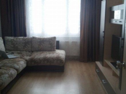 Сдам на длительный срок однокомнатную квартиру на 12-м этаже 14-этажного дома площадью 40 кв. м. в Тюмени