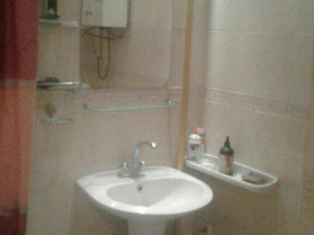 Сдам на длительный срок однокомнатную квартиру на 5-м этаже 9-этажного дома площадью 40 кв. м. в Челябинске