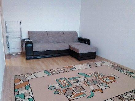 Сдам на длительный срок однокомнатную квартиру на 10-м этаже 17-этажного дома площадью 40 кв. м. в Санкт-Петербурге
