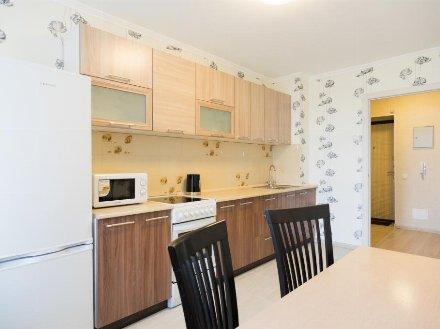 Сдам на длительный срок однокомнатную квартиру на 6-м этаже 12-этажного дома площадью 40 кв. м. в Тюмени