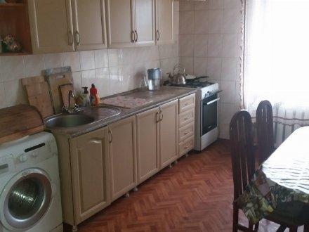 Продам трехкомнатную квартиру на 9-м этаже 9-этажного дома площадью 64 кв. м. в Ростове-на-Дону
