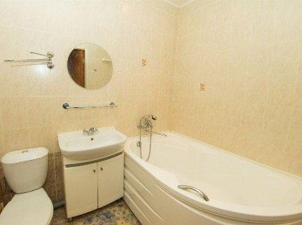 Сдам на длительный срок однокомнатную квартиру на 4-м этаже 5-этажного дома площадью 37 кв. м. в Белгороде