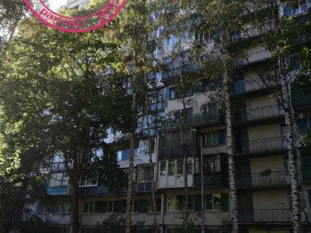 Продам однокомнатную квартиру на 1-м этаже 12-этажного дома площадью 32 кв. м. в Санкт-Петербурге