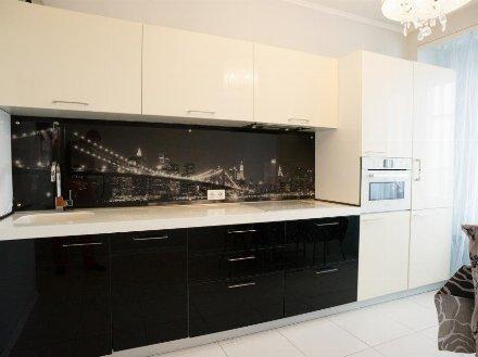 Сдам на длительный срок однокомнатную квартиру на 7-м этаже 13-этажного дома площадью 40 кв. м. в Екатеринбурге