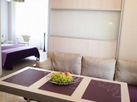 Сдам на длительный срок однокомнатную квартиру на 15-м этаже 20-этажного дома площадью 40 кв. м. в Екатеринбурге