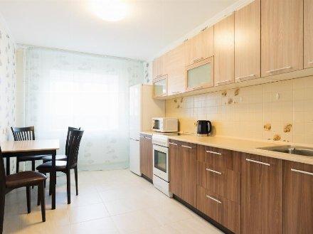Сдам на длительный срок однокомнатную квартиру на 22-м этаже 27-этажного дома площадью 40 кв. м. в Екатеринбурге