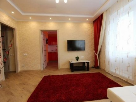 Сдам на длительный срок однокомнатную квартиру на 4-м этаже 9-этажного дома площадью 40 кв. м. в Кургане