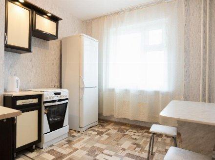 Сдам на длительный срок однокомнатную квартиру на 4-м этаже 9-этажного дома площадью 40 кв. м. в Екатеринбурге