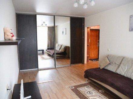 Сдам на длительный срок однокомнатную квартиру на 7-м этаже 9-этажного дома площадью 40 кв. м. в Кургане