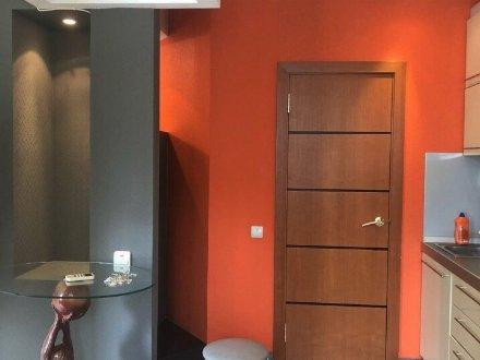 Сдам на длительный срок однокомнатную квартиру на 15-м этаже 25-этажного дома площадью 40 кв. м. в Тюмени