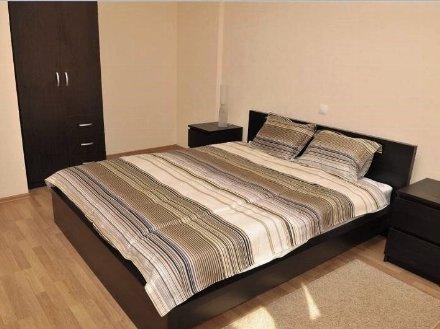 Сдам на длительный срок двухкомнатную квартиру на 7-м этаже 9-этажного дома площадью 58 кв. м. в Благовещенске