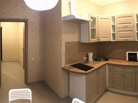 Сдам на длительный срок однокомнатную квартиру на 6-м этаже 9-этажного дома площадью 38 кв. м. в Белгороде