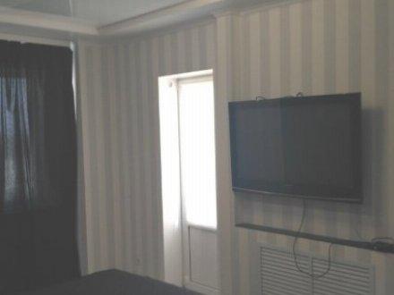 Сдам на длительный срок двухкомнатную квартиру на 7-м этаже 10-этажного дома площадью 56 кв. м. в Белгороде