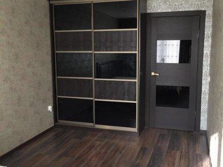 Сдам на длительный срок однокомнатную квартиру на 4-м этаже 5-этажного дома площадью 39 кв. м. в Брянске