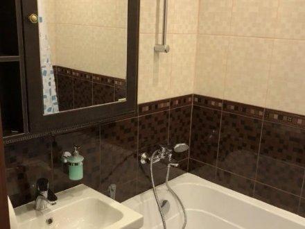 Сдам на длительный срок двухкомнатную квартиру на 7-м этаже 9-этажного дома площадью 54 кв. м. в Тамбове