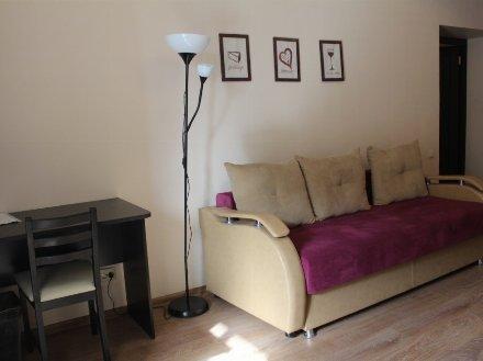Сдам на длительный срок однокомнатную квартиру на 3-м этаже 5-этажного дома площадью 38 кв. м. в Ярославле