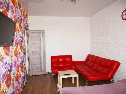 Сдам на длительный срок однокомнатную квартиру на 4-м этаже 5-этажного дома площадью 38 кв. м. в Ярославле